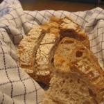 bread 150x150 Charter aften med gambas al ajillo